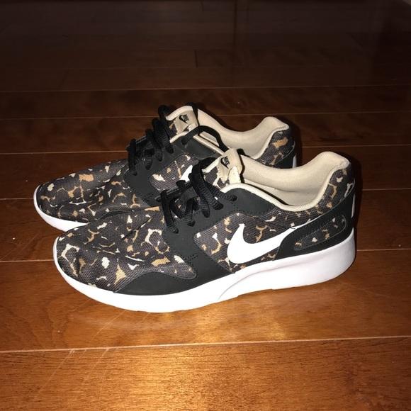 Women's Nike Cheetah Print Running Shoes